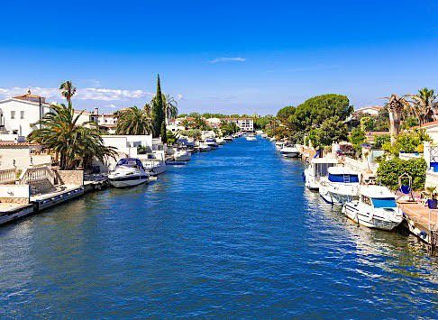 Empuria brava is a coastal town in Castelló, Spain. It is filled with medieval villages and beautiful beaches. This town is also called 'the Venice of Spain' with it's navigable canals that go on for 25 km! .